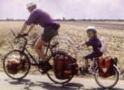 In bici con bimbo