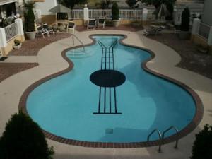 piscina a forma di chitarra